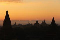 Lever de soleil chez Bagan photo stock