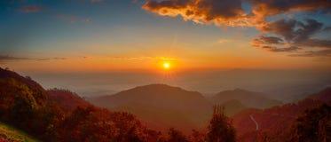Lever de soleil chez Doi Ang Kang photos libres de droits