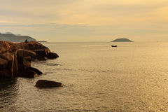 Lever de soleil chez Hon Chong, Nha Trang, Khanh Hoa, Vietnam Photos stock