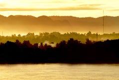 Lever de soleil chez le Mekong, Thaïlande Photos stock