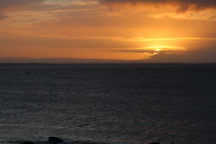 Lever de soleil chez Salthill, Galway Image stock
