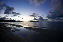 Lever de soleil Cloudscape sur la plage Photo stock