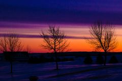 Lever de soleil color? de l'hiver photo libre de droits