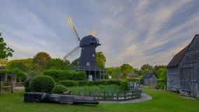 Lever de soleil d'été au-dessus de moulin à vent de Bursledon, Hampshire, R-U photos stock
