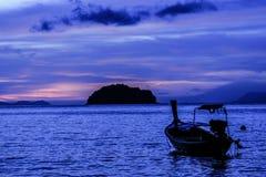 Lever de soleil d'île de tarutao photographie stock