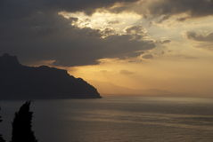 Lever de soleil d'Amalfi photographie stock libre de droits