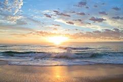 Lever de soleil d'Australie de la roche NSW de chameau Images stock