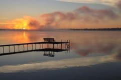 Lever de soleil d'automne - lac wisconsin photographie stock libre de droits
