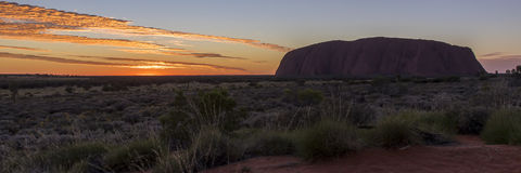 Lever de soleil d'Uluru photographie stock