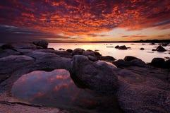 Lever de soleil dans la baie de Vromos Photographie stock