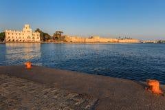 Lever de soleil dans la ville de Kos Photos stock