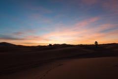Lever de soleil dans le désert Photographie stock