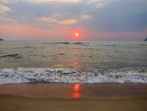 Lever de soleil dans le golfe de Thaïlande Photo stock