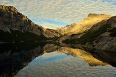 Lever de soleil dans le lac Jakob Images stock