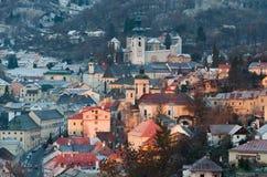 Lever de soleil dans le stiavnica de banska photographie stock libre de droits