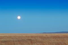 Lever de soleil dans les steppes Image libre de droits