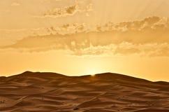 Lever de soleil dans Merzouga, Maroc Image stock