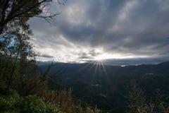 Lever de soleil dans mountian alishan Images stock