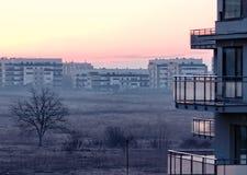 Lever de soleil dans Pipera, Bucarest photographie stock