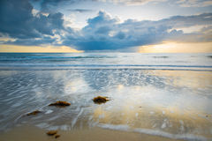 Lever de soleil dans Port Douglas, Australie image libre de droits