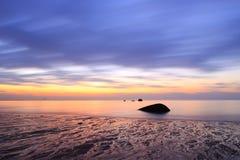 Lever de soleil de bord de la mer Photographie stock