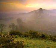 Lever de soleil de château de Corfe Images libres de droits