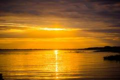 Lever de soleil de coucher du soleil à la jungle du fleuve Amazone Image libre de droits