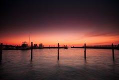 Lever de soleil de dock Photos stock
