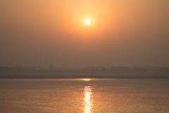 Lever de soleil de Ganga Photographie stock
