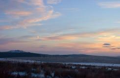 Lever de soleil de l'hiver au massif de roche de Belliver Images libres de droits