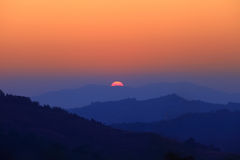 Lever de soleil de matin sur le mountion photo libre de droits