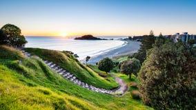 Lever de soleil de Mauao Image libre de droits