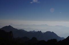 Lever de soleil de montagne de Huangshan Images stock