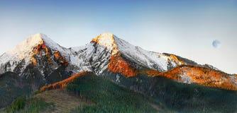 Lever de soleil de montagnes, haut Tatras, Slovaquie Images stock