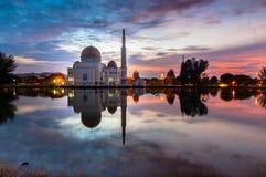lever de soleil de mosquée de Comme-Salam Photo stock