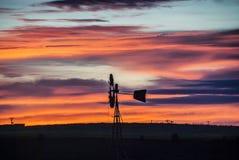 Lever de soleil de moulin à vent Image stock