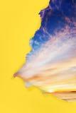 Lever de soleil de papier déchiré Image stock