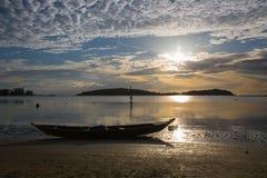 Lever de soleil de plage de Chaweng - Koh Samui - Thaïlande images libres de droits