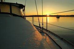Lever de soleil de voilier image stock