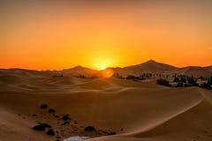 Lever de soleil du Sahara image libre de droits