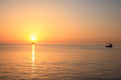 Lever de soleil en mer. Photographie stock