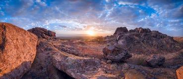 Lever de soleil en montagne photographie stock