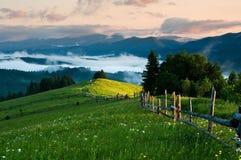 Lever de soleil en montagne Photo stock