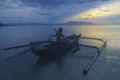 Lever de soleil en plage Lampung de Ringgung photo stock