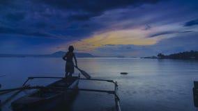 Lever de soleil en plage Lampung de Ringgung image stock