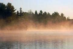 Lever de soleil et brouillard Photo stock