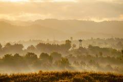 Lever de soleil et brouillard Thaïlande Images libres de droits