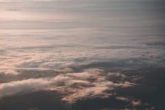 Lever de soleil et la brume de nuages Photos libres de droits