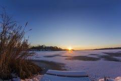 Lever de soleil froid photos stock