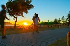 Lever de soleil intense au bâti Maunganui photo libre de droits